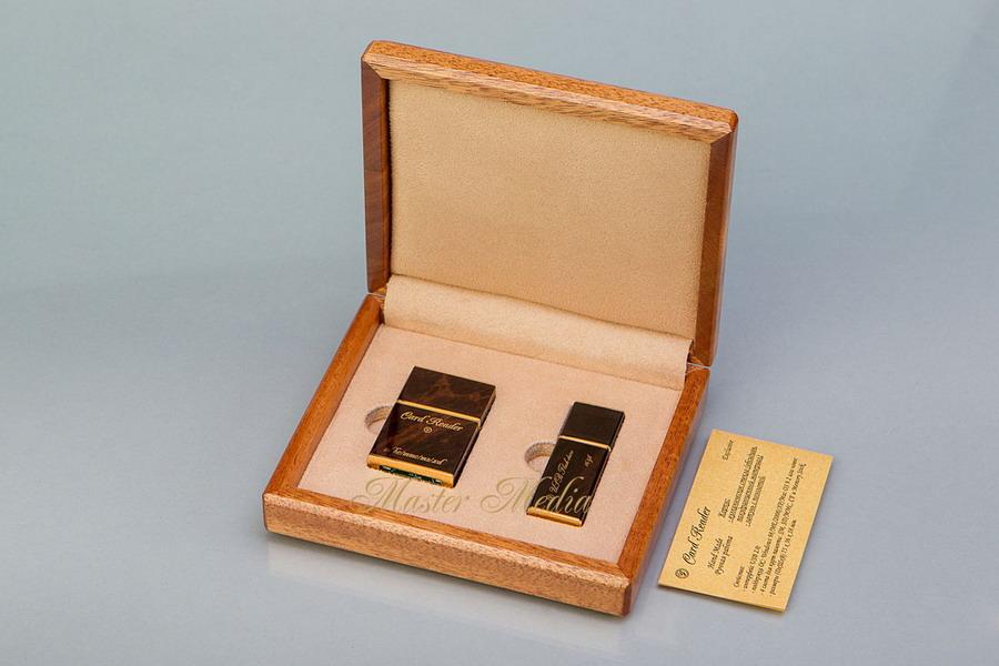 Подарочный набор флешка и картридер в корпусе из обсидиана